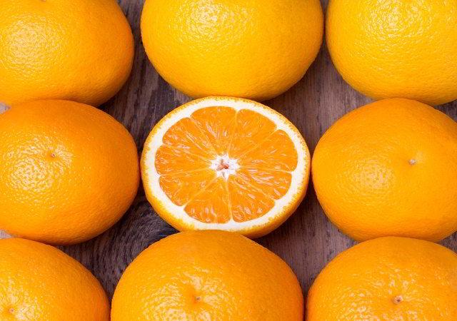 Шкурки от апельсинов, как емкость для рассады